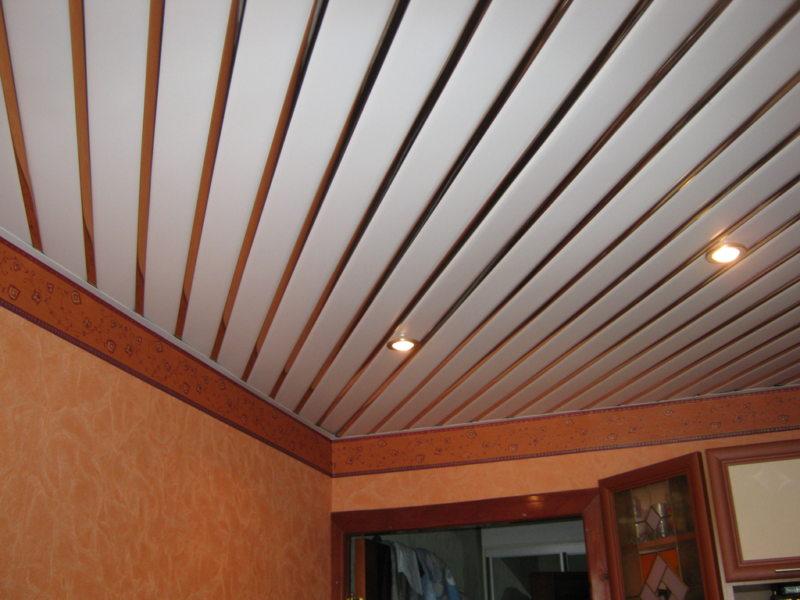 Потолок в прихожей (60)