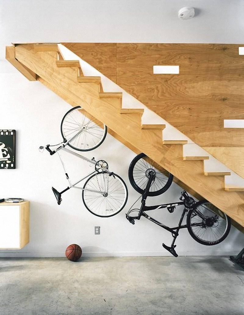 Пространство под лестницей (49)