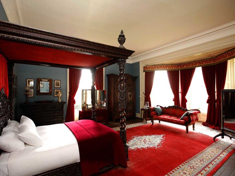 Red bedroom 7 (10)