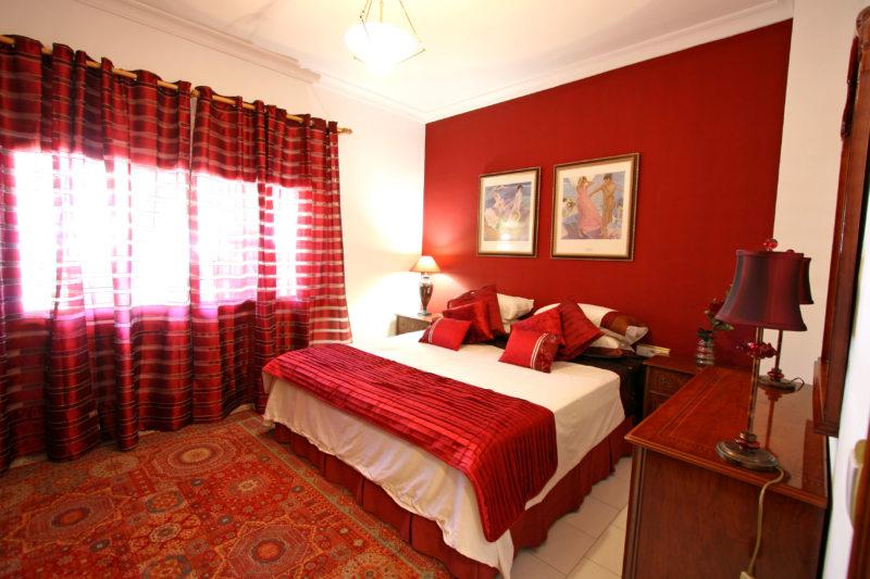 Red bedroom 7 (11)