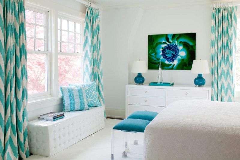 Рисунок в гостиной11