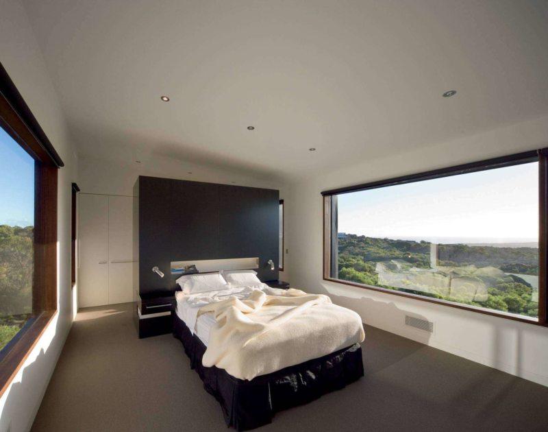 Спальня с двумя окнами (2)
