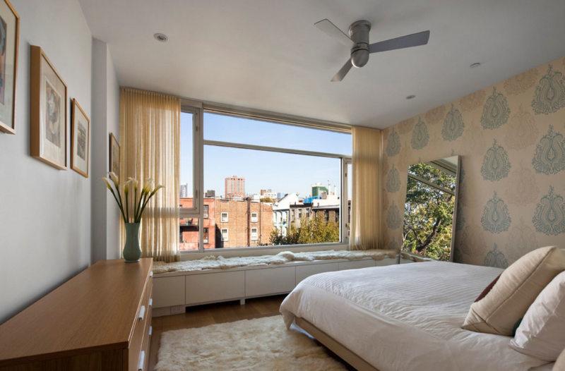 Спальня с двумя окнами (20)