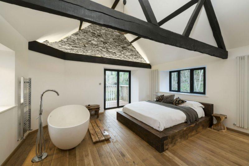 Спальня с двумя окнами (24)