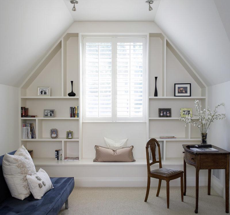 Спальня с двумя окнами (26)