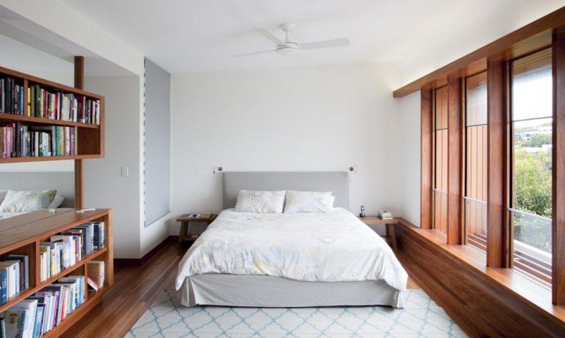 Спальня с двумя окнами (6)