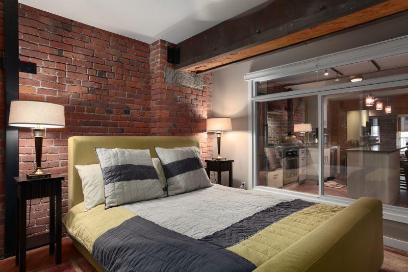 Спальня с двумя окнами (7)