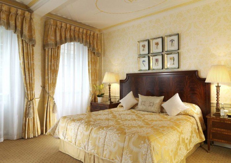 Спальня с двумя окнами (8)