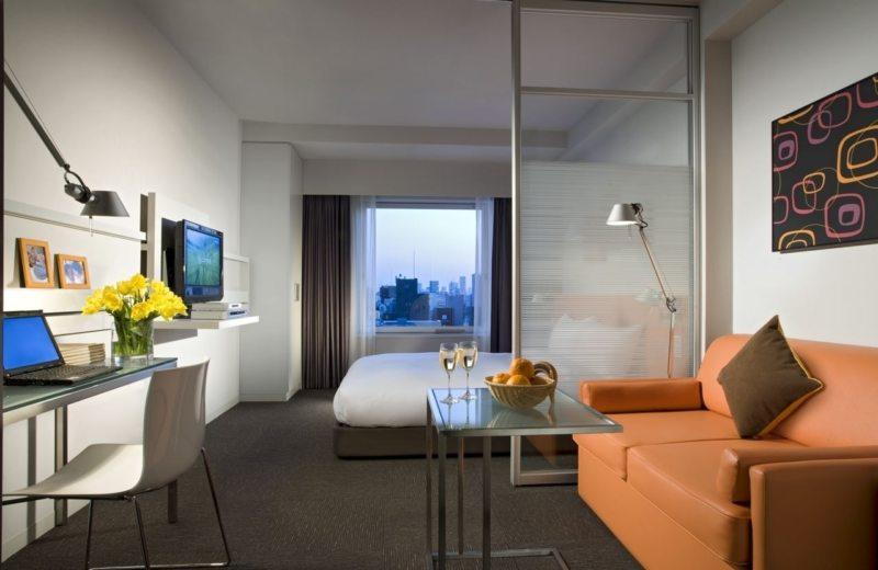 Спальня в однокомнатной квартире (48)
