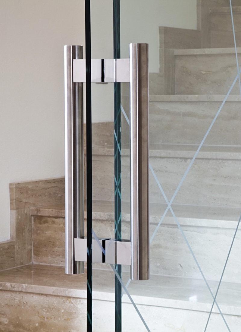 Стеклянные двери в интерьере (49)