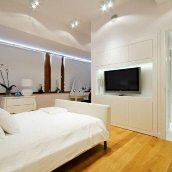 Телевизор в спальне — как установить? 70 фото примеров оформления
