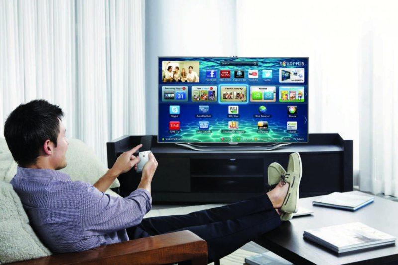 Телевизор в гостиной (10)