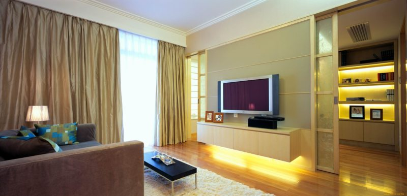 Телевизор в гостиной (6)