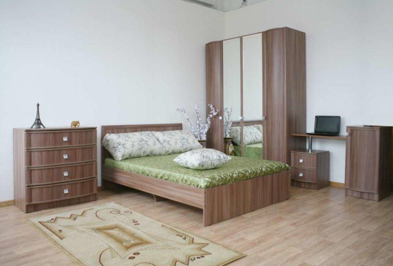 Угловая спальня (24)