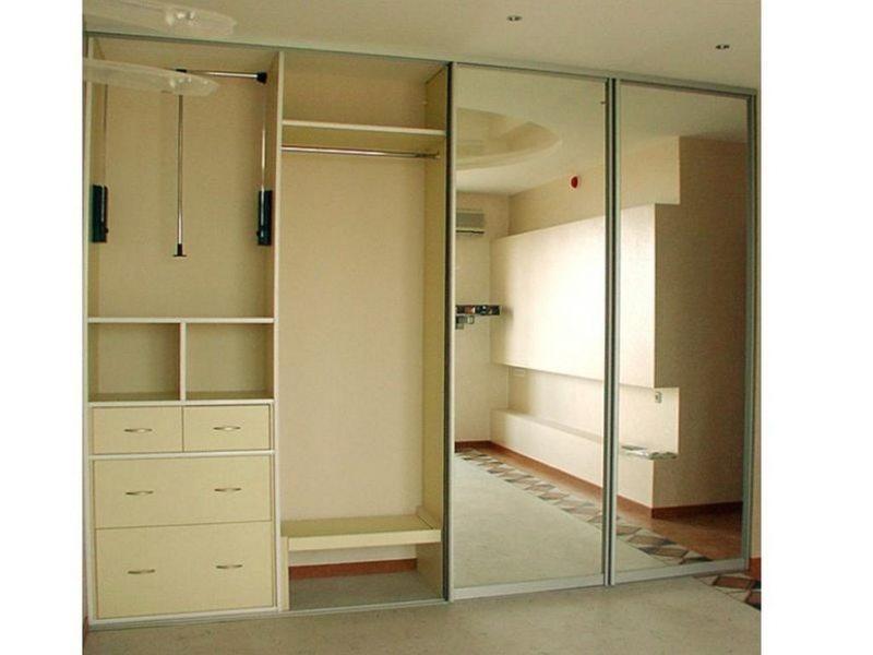 Встроенный шкаф в прихожую (18)