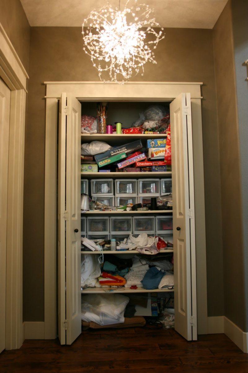 Встроенный шкаф в прихожую (30)