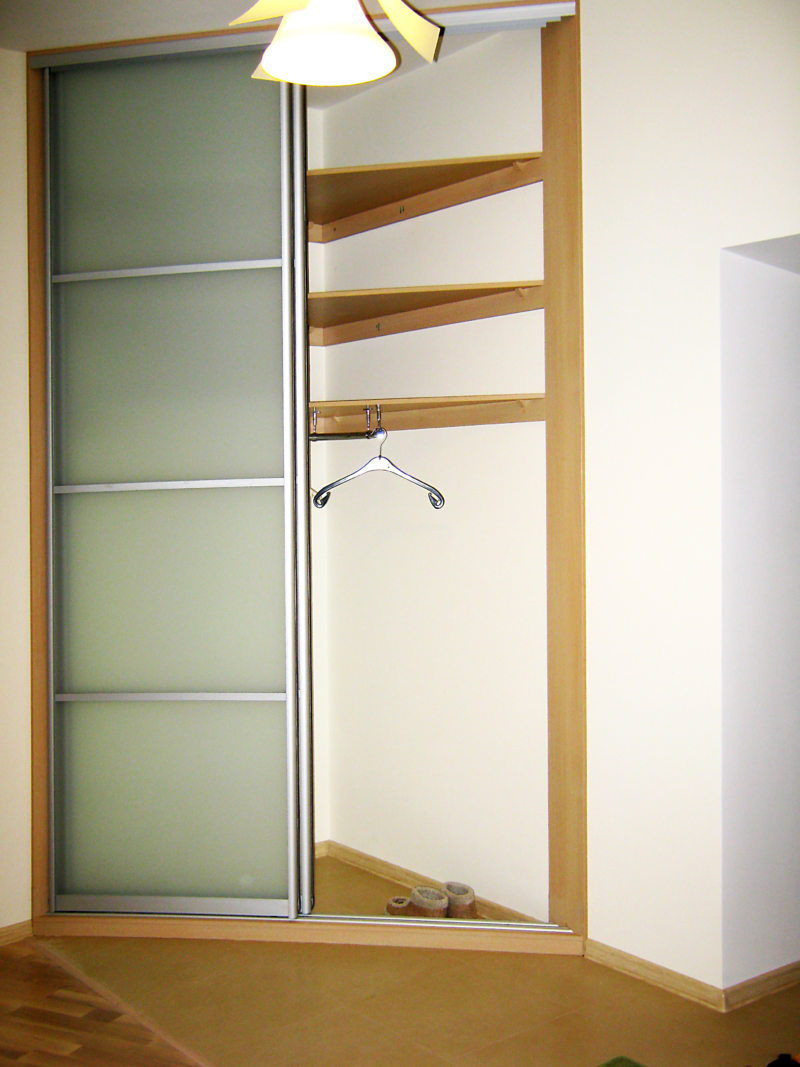 Встроенный шкаф в прихожую (59)