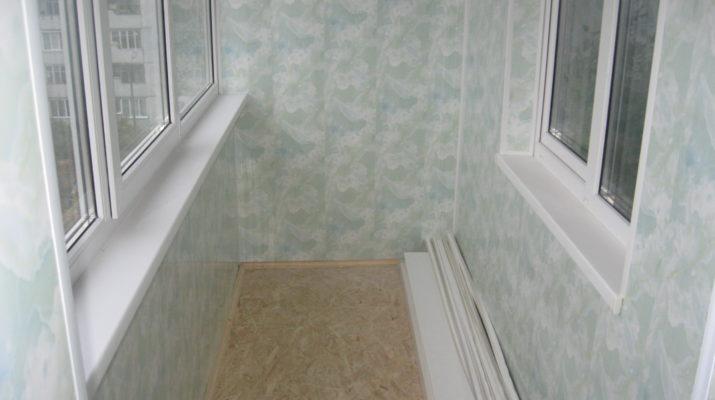 Otdelka-balkona-plastikovyimi-panelyami-715x400