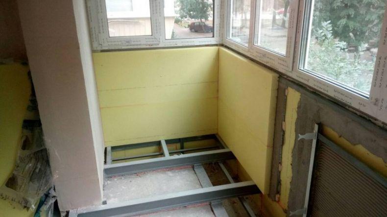 Uteplenie-balkona-svoimi-rukami-4