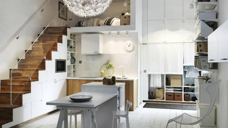 biala-kuchnia-ocieplona-drewnem-2