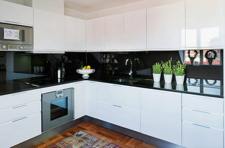 corner-kitchen-inspiration-style-with-green-ornament