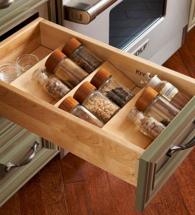 узкие ящики на кухне