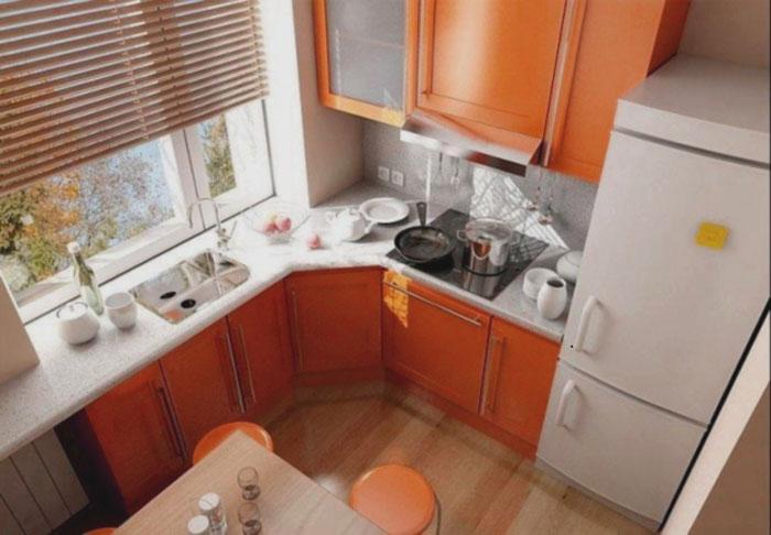 кухня-в-хрущевке-с-холодильником-1