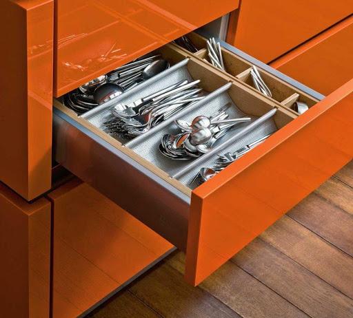 Разнообразие узких кухонных ящиков (100+ фото)