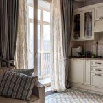 дизайн кухни классические шторы фото