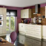 выбор коротких занавесок для кухни