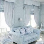 голубые шторы в гостиную фото