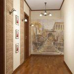 пастельные обои в узком коридоре