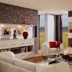 отделка стен декоративным камнем в гостиной